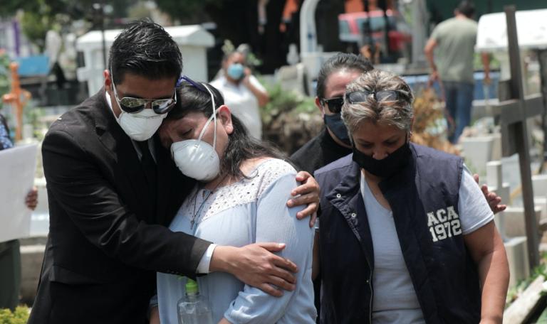 Los datos reales de muertes por COVID-19 en México