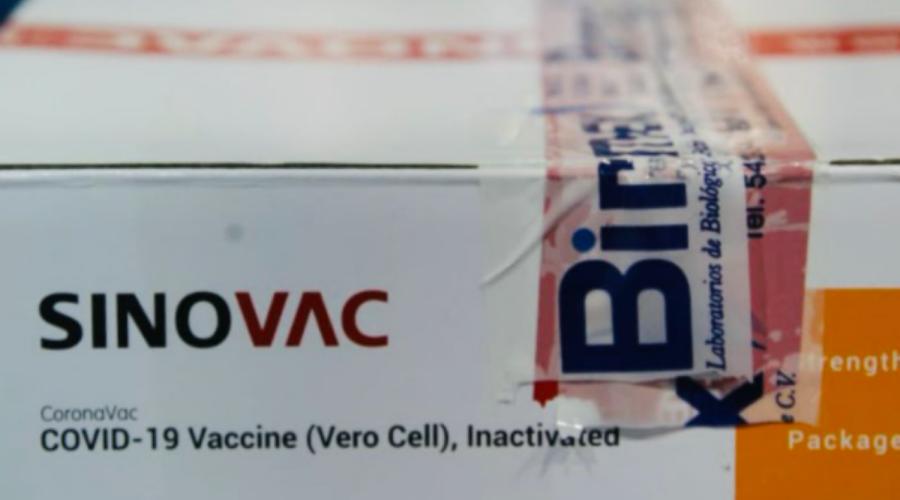 Amplían contrato para comprar 22 millones de vacunas Sinovac