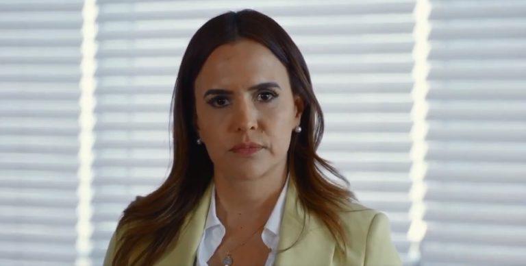 Clara Luz Flores