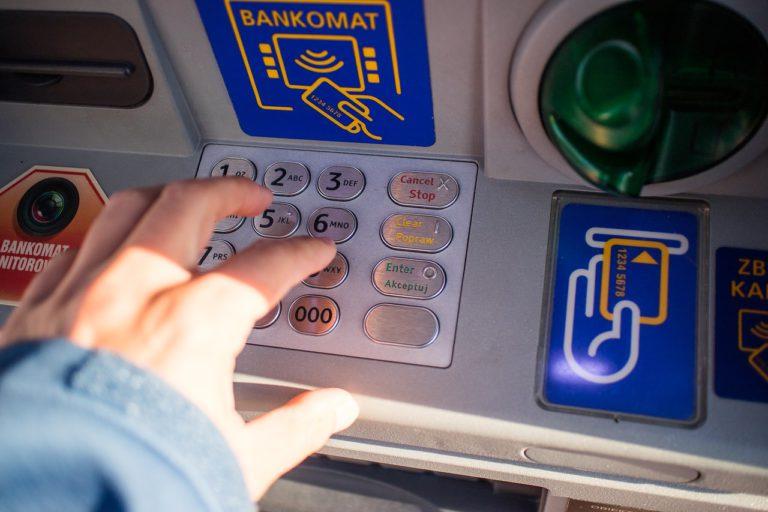 más comisiones cajeros de otros bancos