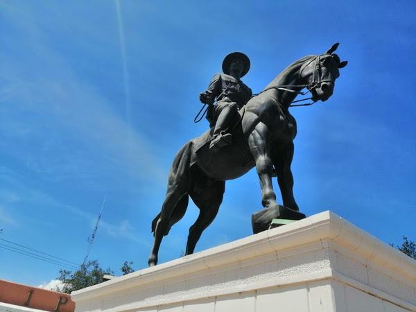 estatua Felipe Ángeles